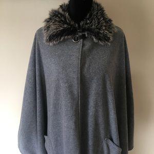 NWT Gray Faux Fur Collar Cape
